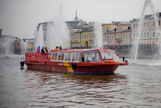 City Sightseeing на москва-реке