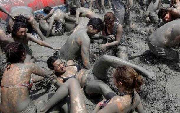 Секс видео в грязи говоря